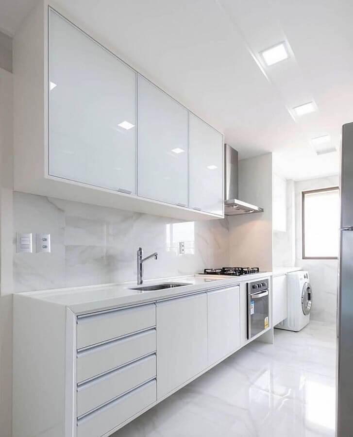 decoração clean para cozinha branca com armário aéreo Foto Casa Decora