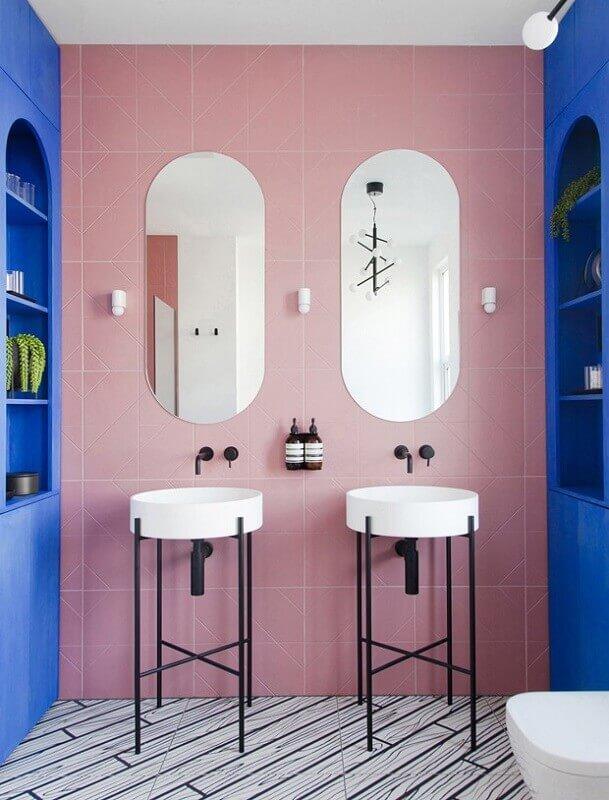 decoração de banheiro azul e rosa Foto Archilovers