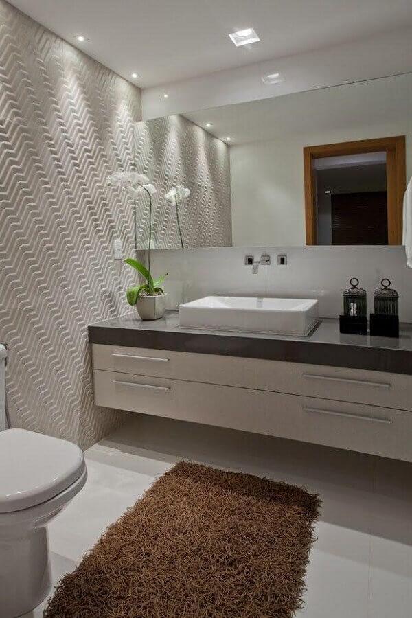 decoração de banheiro social planejado com revestimento 3d Foto Pinterest
