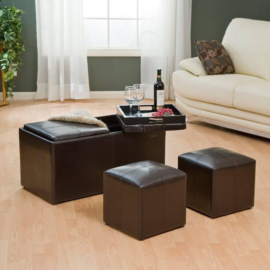 decoração de sala simples com puff preto baú Foto Pinterest