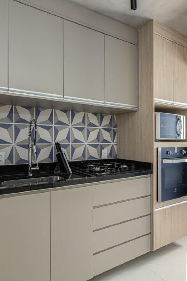 Decoração moderna com azulejo de cozinha estampado