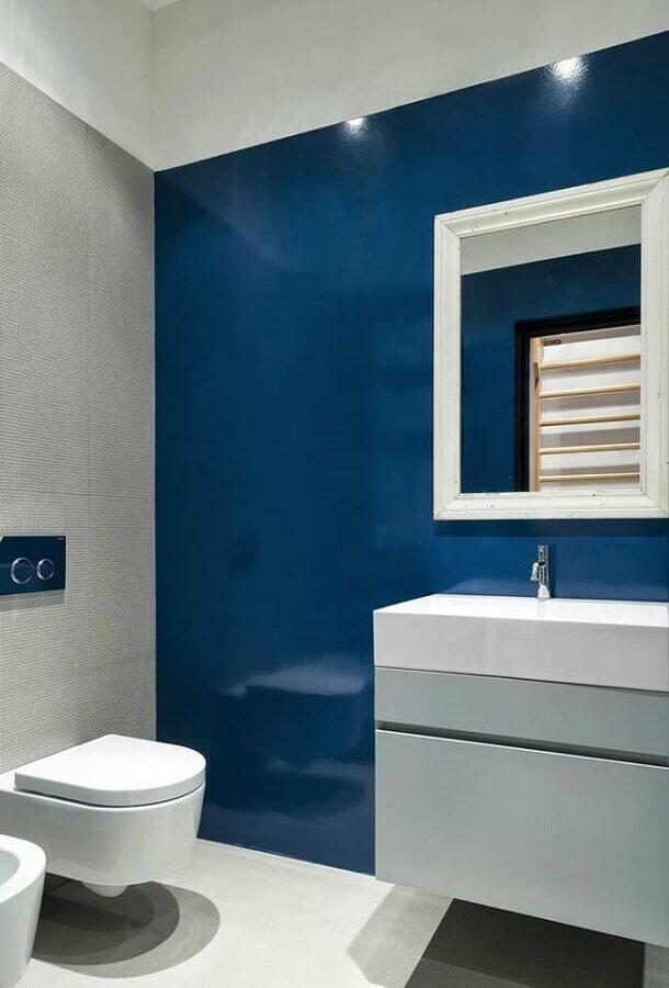 decoração moderna com revestimento para banheiro azul e cinza Foto Archilovers