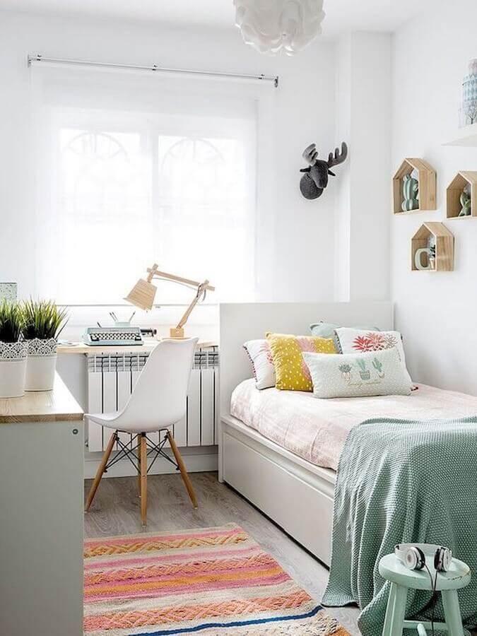 Decoração para quarto pequeno feminino simples