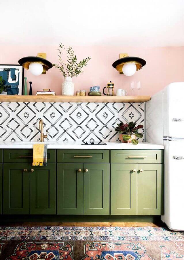 decoração simples com armário de cozinha verde oliva Foto Pinterest