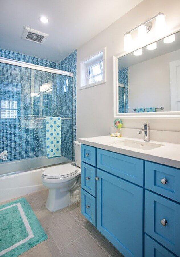 gabinete planejado para decoração de banheiro azul e branco Foto Home Fashion Trend