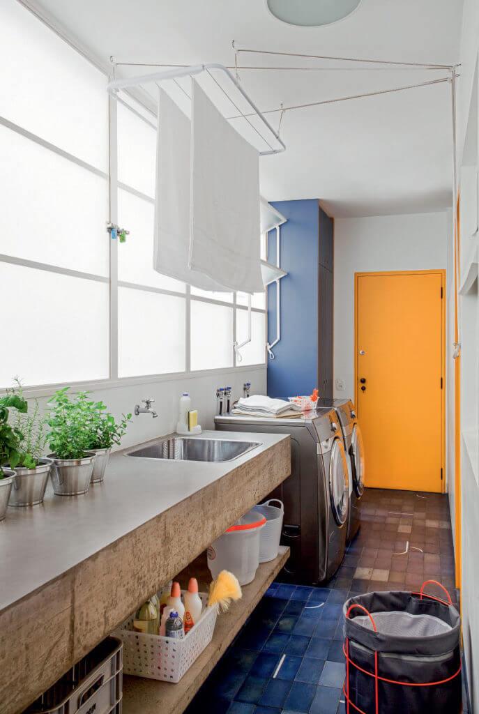 Lavanderia simples azul e amarelo