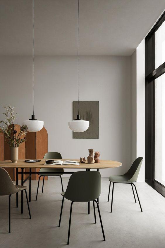 Lustre pendente branco na sala de jantar moderna
