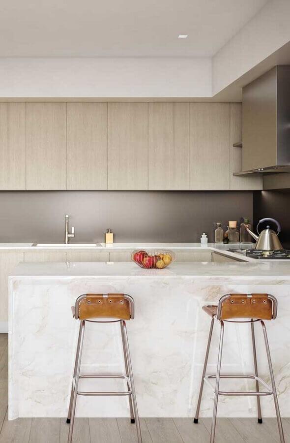 Modelo simples de banquetas para bancada de cozinha planejada