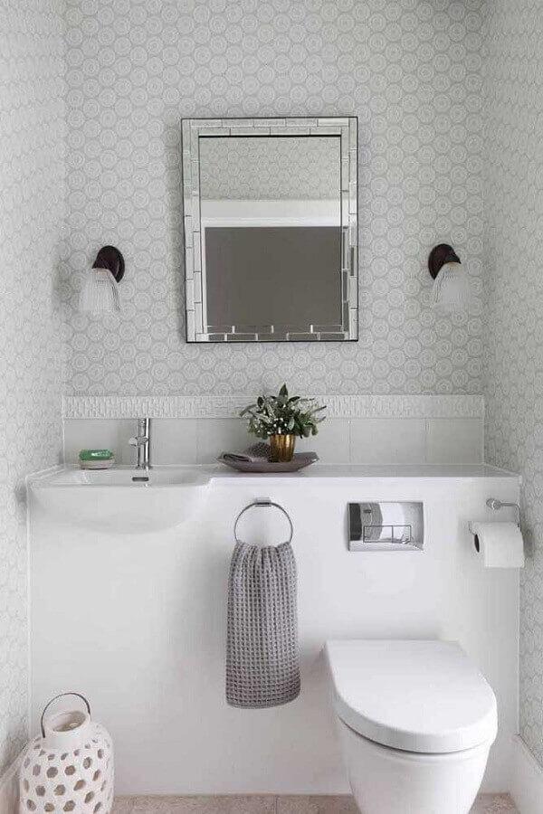 papel de parede delicado para banheiro social todo branco Foto Pinterest