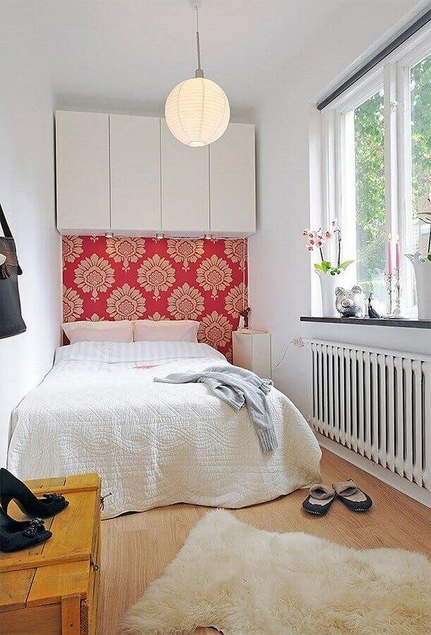 Papel de parede para decoração de quarto de casal simples e pequeno