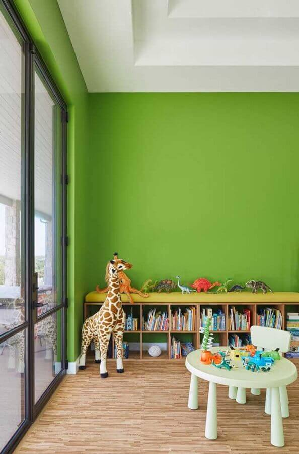 Parede cor verde limão para decoração de quarto infantil