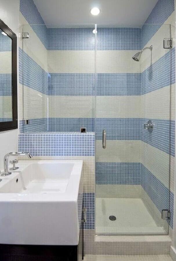 pastilhas para decoração de banheiro azul com box de vidro Foto Pinterest