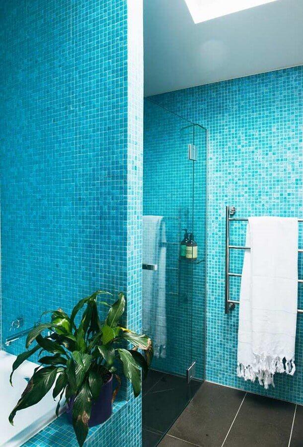 pastilhas para decoração de banheiro azul turquesa Foto Houzz