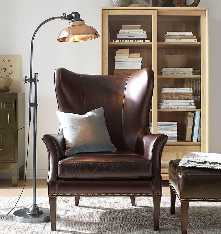 poltrona marrom escura para decoração de sala simples Foto Pinterest