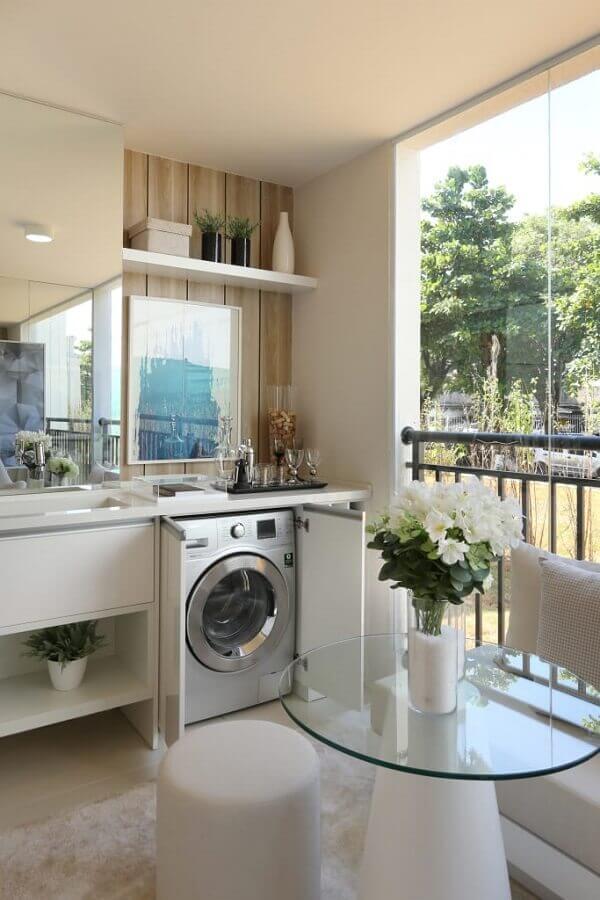 Prateleira para lavanderia planejada em varanda