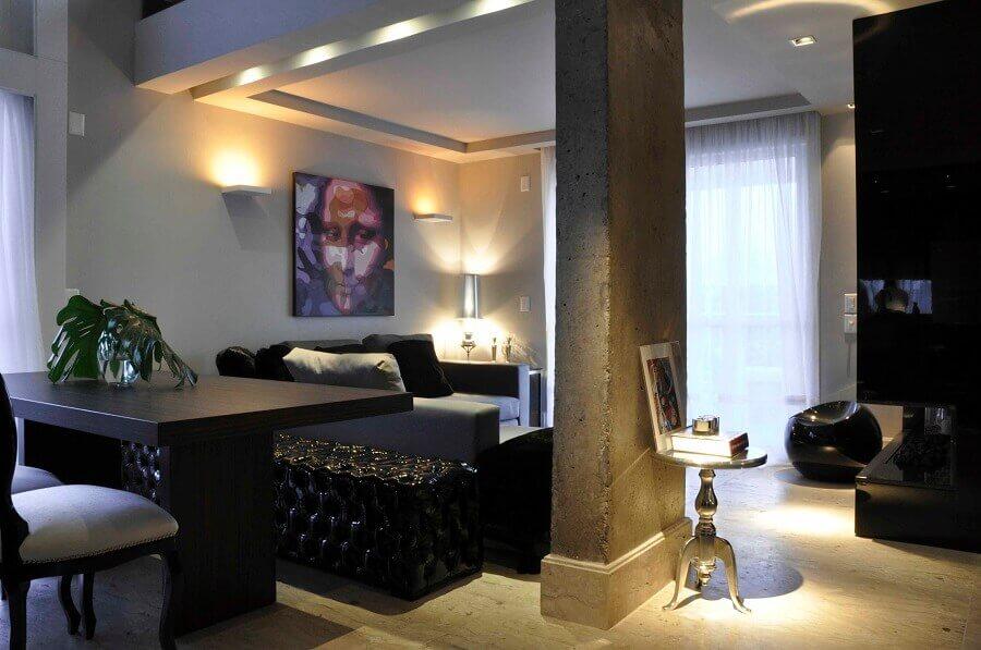 puuff preto para decoração de sala de estar e jantar integradas modernas Foto Luiz Humberto de Albuquerque