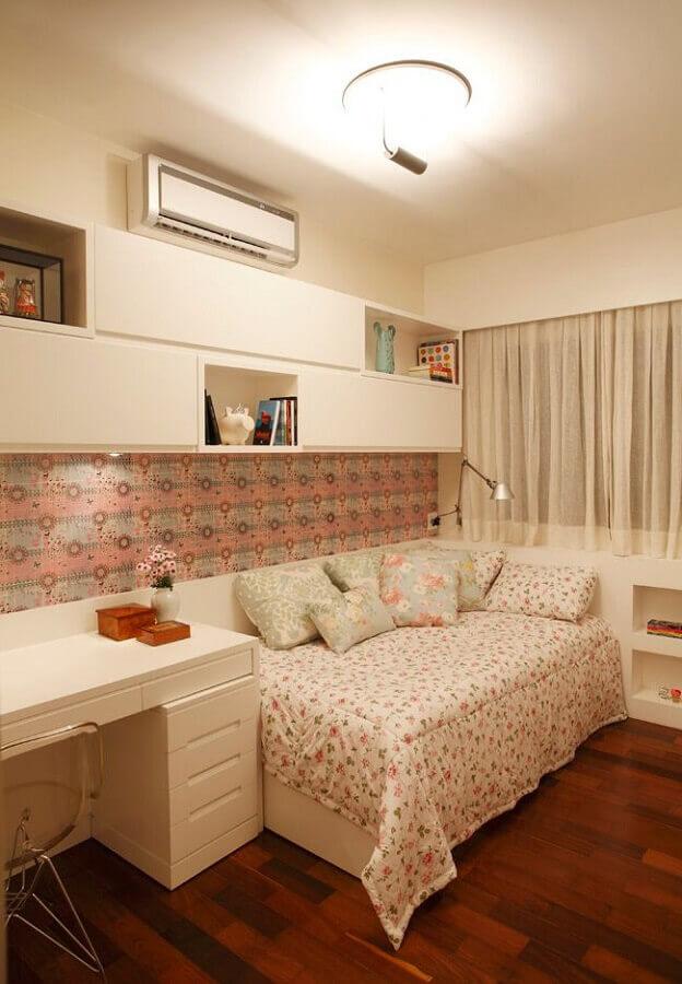 armário aéreo para quarto feminino decorado com escrivaninha branca Foto Pinterest