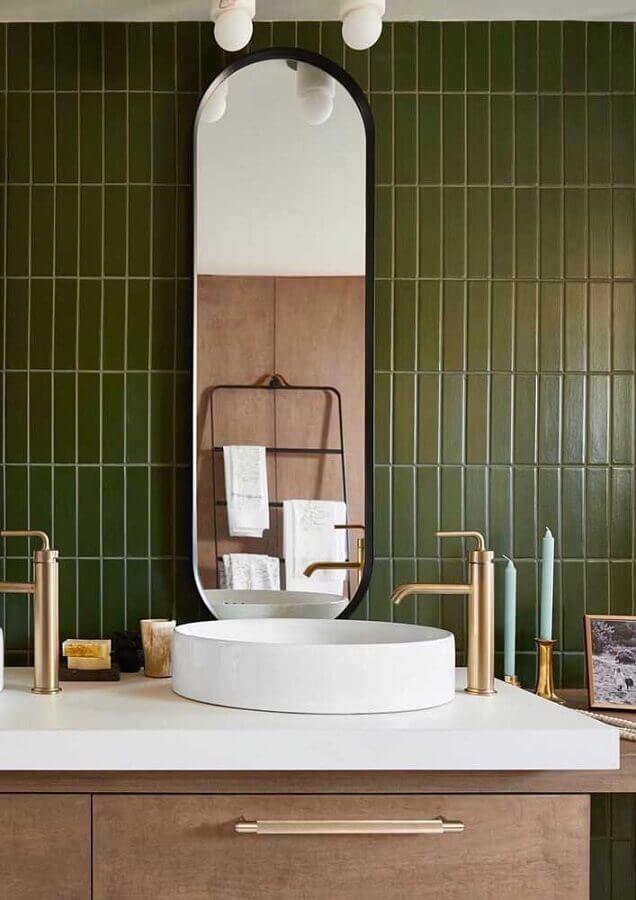 revestimento verde oliva para decoração de banheiro  Foto Pinosy