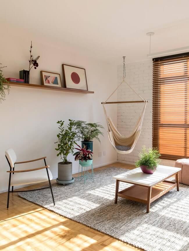 A rede cadeira de balanço decora a sala de estar