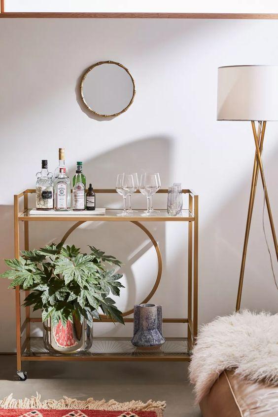 Aparador bar na decoração de sala moderna