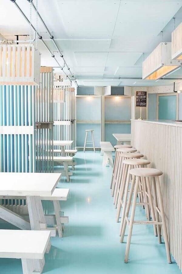 Aposte no piso colorido em porcelanato líquido para o estabelecimento comercial