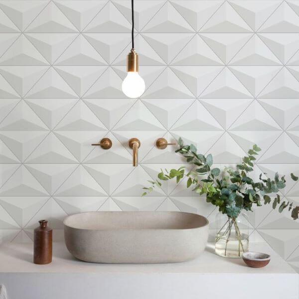 Azulejo 3D branco em triangulo para banheiro moderno