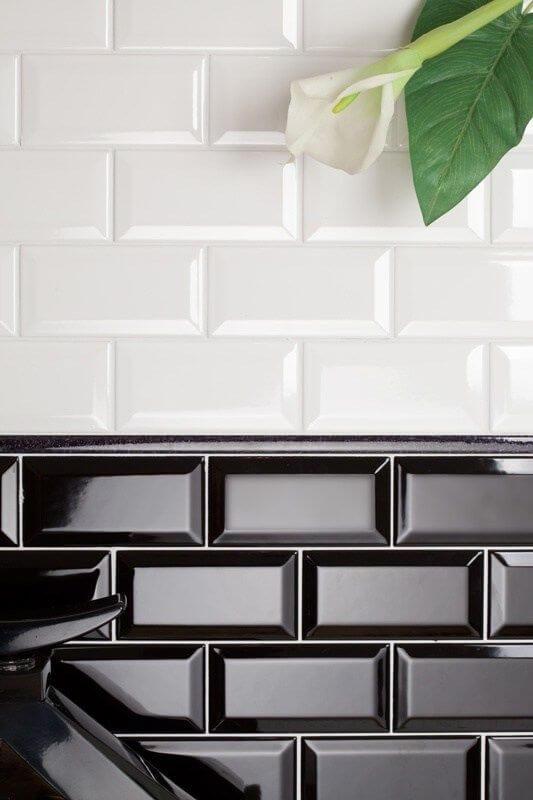 Azulejo 3D preto e branco para cozinha moderna