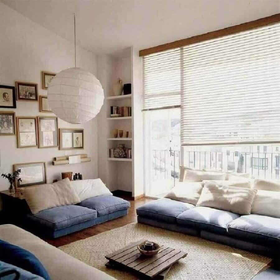 Decoração asiática para sala com luminária japonesa e bastante iluminação natural Foto Pinterest