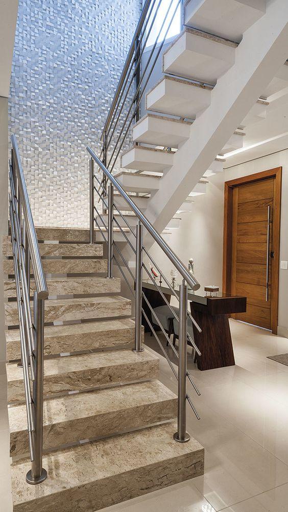 Escada de granito bege