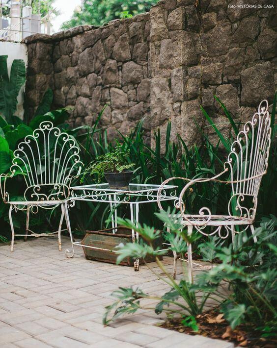Jogo de cadeira e mesa de ferro para jardim