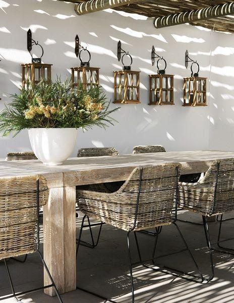 Mesa de jardim de madeira cm cadeira de fibras