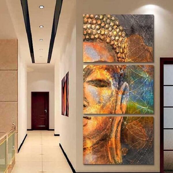 Mosaico de quadros com a imagem de Buda alinhada verticalmente na parede. Fonte: Etsy