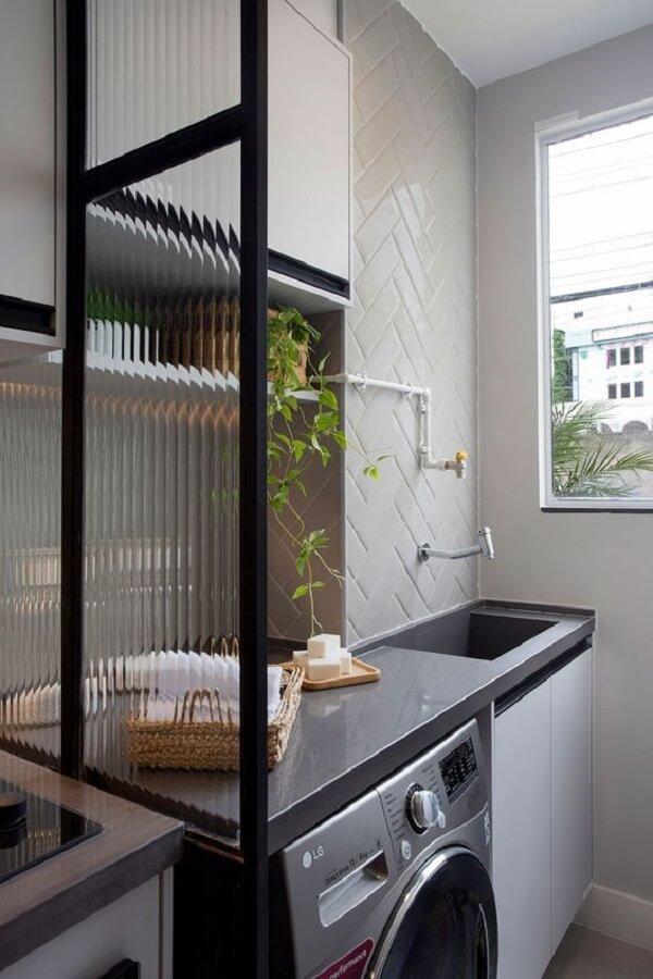 Le silestone gris est une excellente option pour les comptoirs d'aire de service