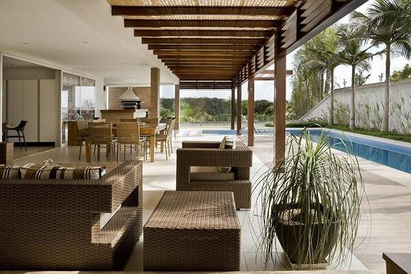 O sofá de vime para varanda é uma ótima alternativa para decorar a varanda