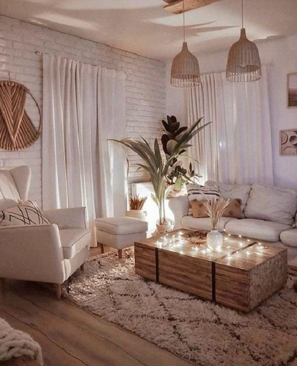 Para acertar na escolha da cortina ou persiana que irá ajudar na decoração da janela procure avaliar a quantidade de iluminação que entra no cômodo. Fonte: Reprodução