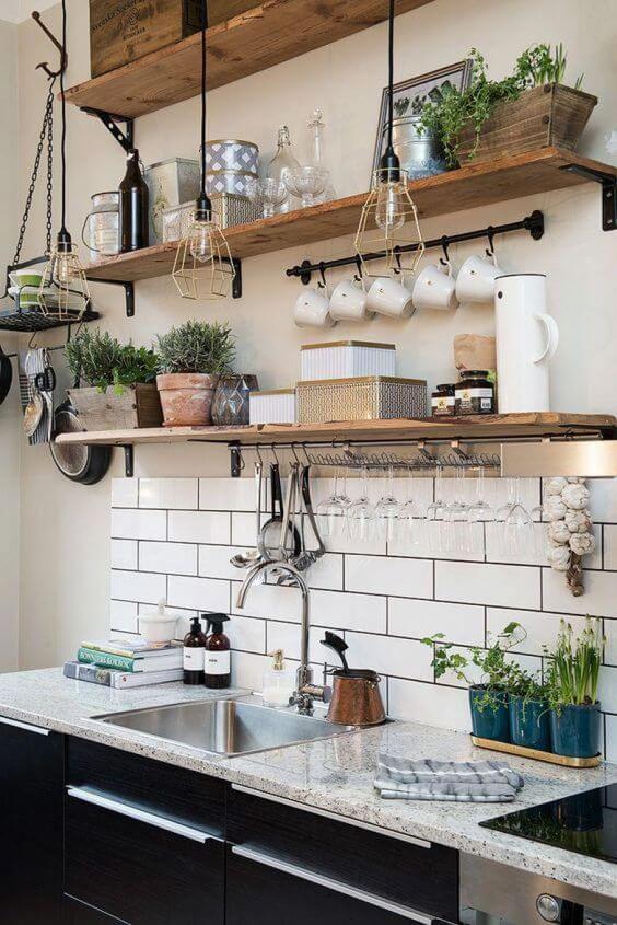 Prateleira rústica para cozinha