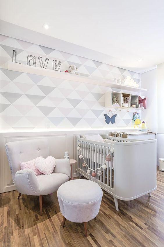 Quarto de bebe cinza e branco retro