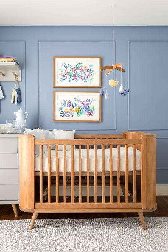 Quarto de bebe com moveis retro