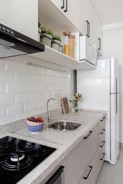 Revestimento 3D para cozinha branca de tijolinho