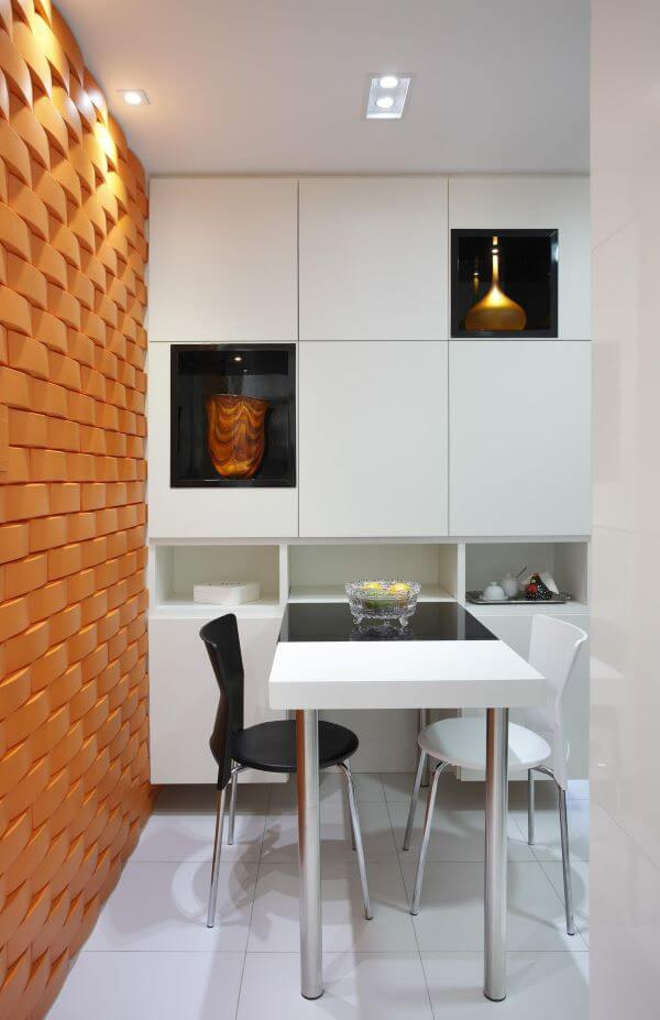Sala com azulejo 3D laranja