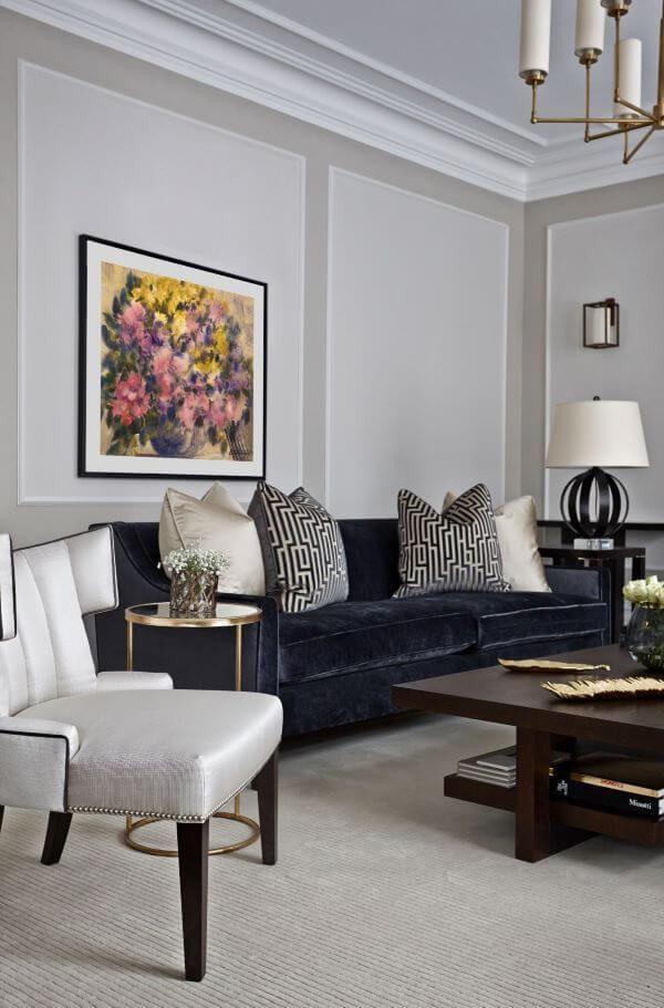 Sala com sofá em l azul marinho