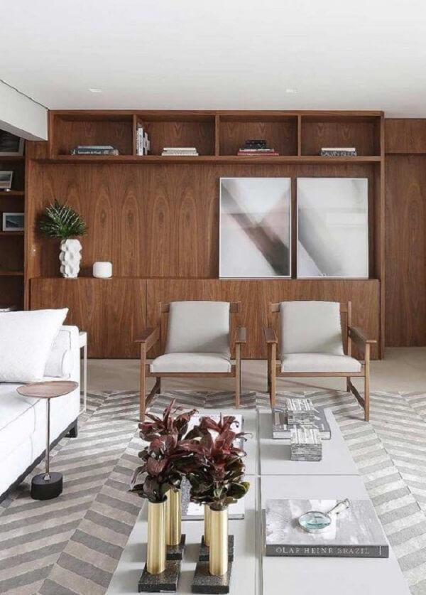 Sala moderna decorada com quadro mosaico abstrato. Fonte: Pinterest
