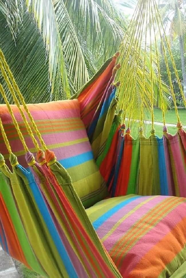 Traga alegria para a decoração com a rede cadeira colorida