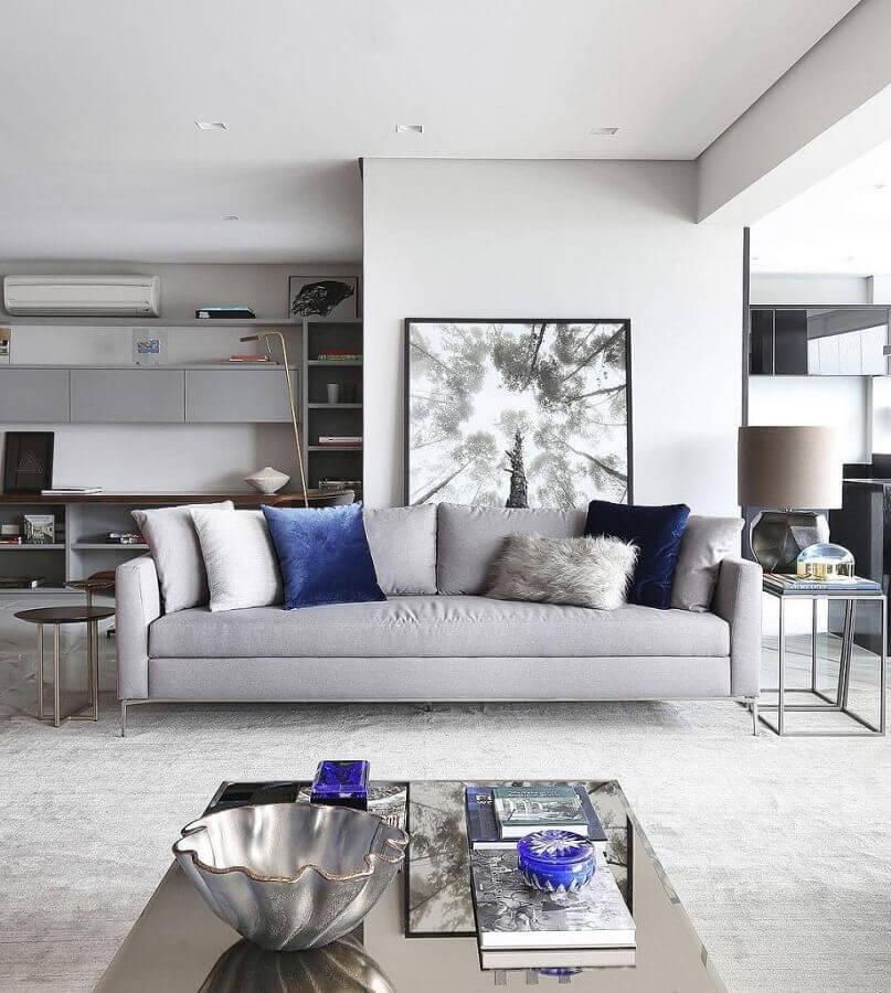 almofadas chiques para sala cinza e branca decorada com estilo moderno Foto Apartment Therapy