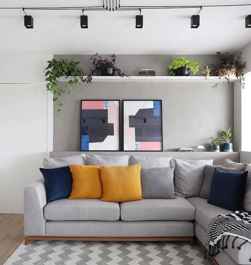 almofadas coloridas para sala cinza moderna decorada com sofá de canto Foto Jeito de Casa