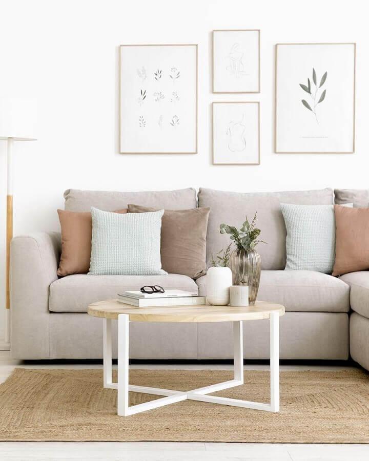 almofadas para sala clean decorada com sofá de canto  Foto Kenay Home