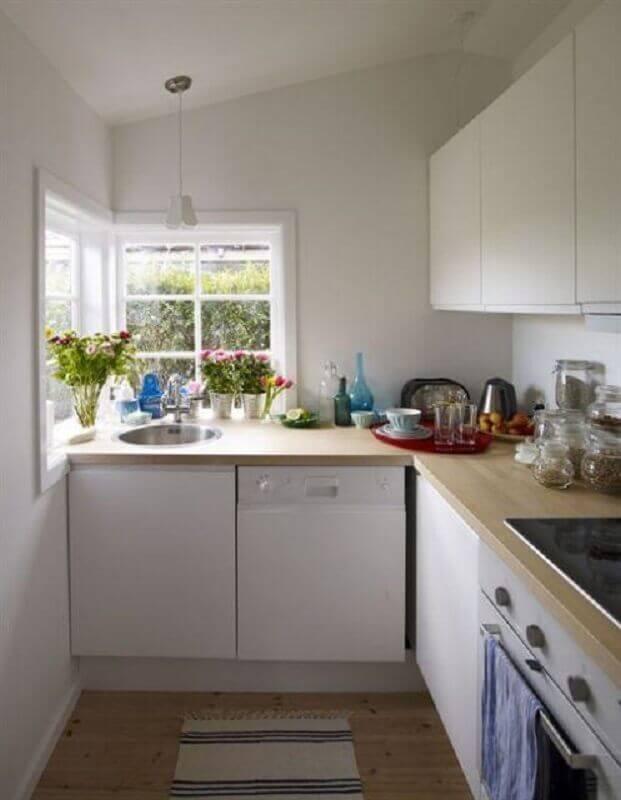 balcão de canto de madeira para decoração de cozinha branca simples Foto Apartment Therapy