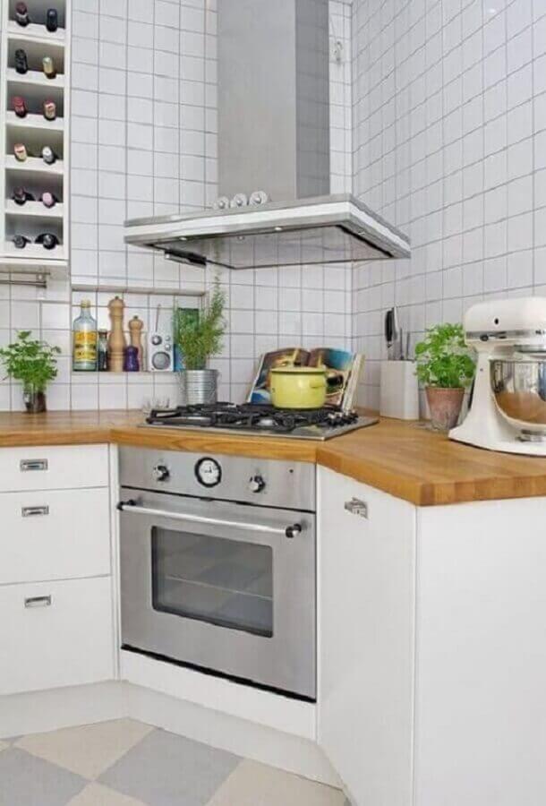 balcão de canto pequeno de madeira para decoração de cozinha branca Foto Pinterest