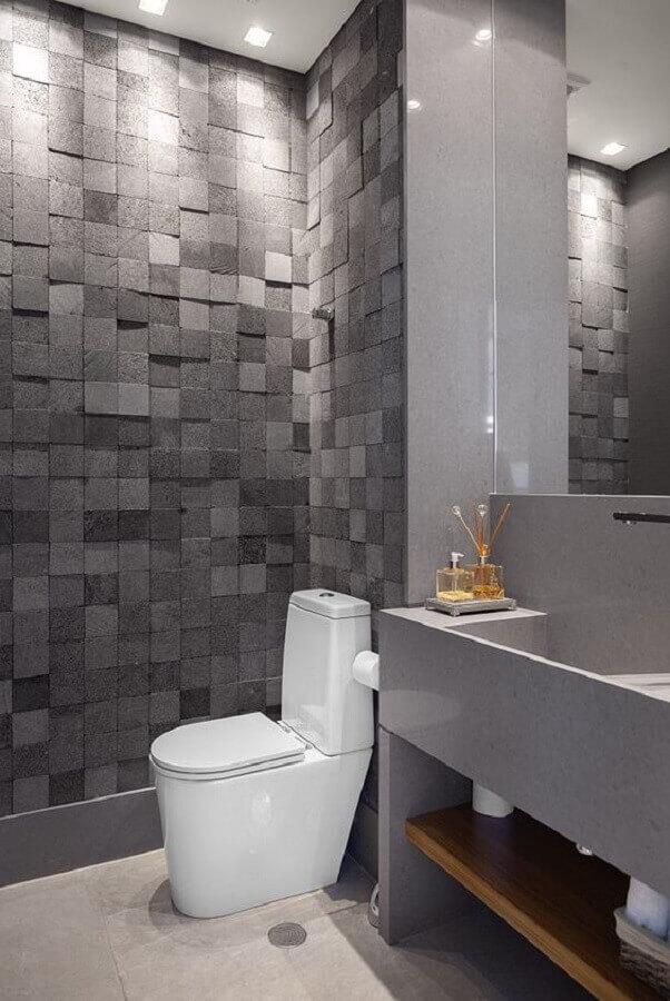 banheiro moderno decorado com revestimento cinza escuro Foto Moran - Anders Arquitetura