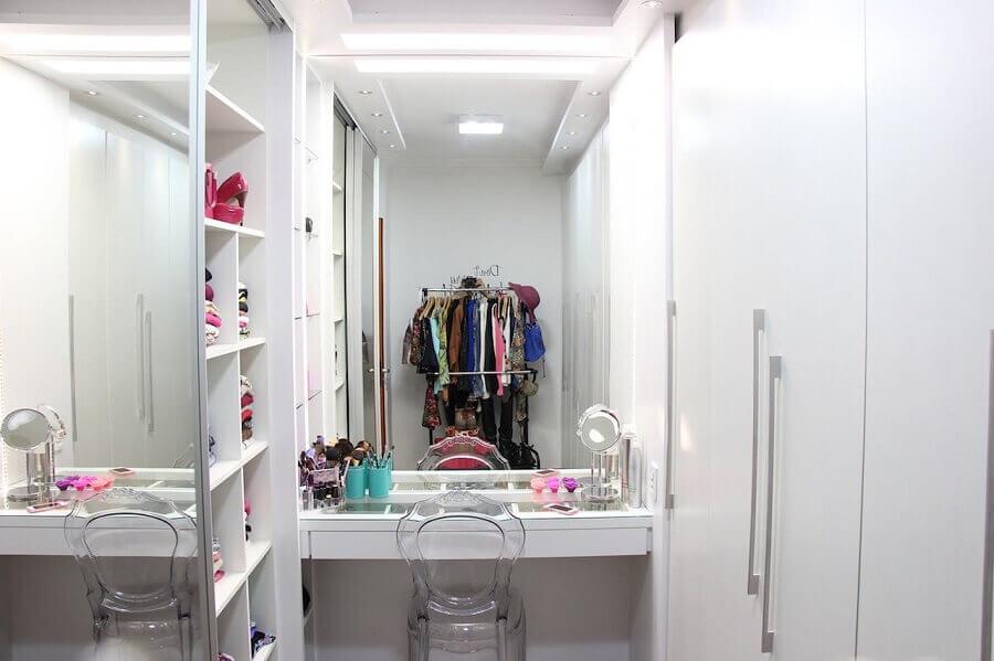 cadeira de acrílico para decoração de closet pequeno com penteadeira Foto Home Fashion Trend